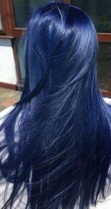 cabello azul negro